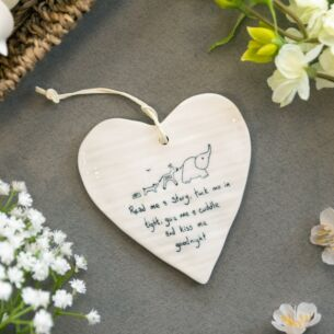 'Kiss Me Goodnight' Wobbly Hanging Heart